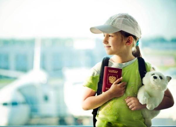 Dịch vụ trẻ em đi máy bay một mình của hãng hàng không