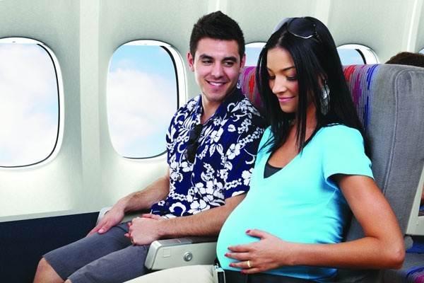 Kinh nghiệm đi máy bay cho bà bầu