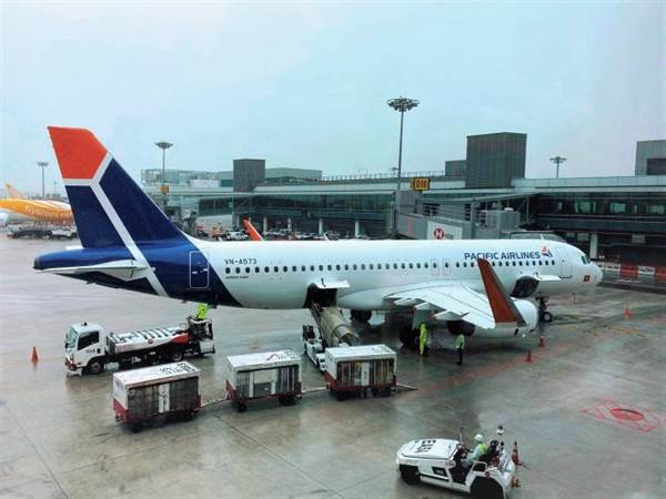 Pacific Airlines 'bắt tay' Vietnam Airlines đưa người Việt về nước