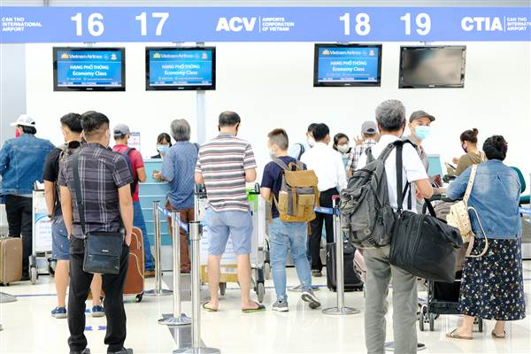 Vietnam Airlines triển khai dịch vụ làm thủ tục trực tuyến tại sân bay Cát Bi