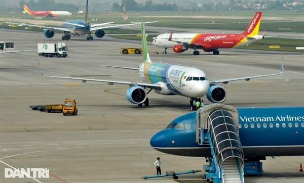 """Hàng không """"cháy"""" vé, nguy cơ quá tải tại các sân bay trong dịp 30/4-1/5"""